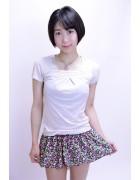 神山真悠子☆花柄のスカート