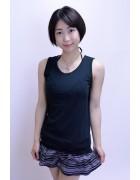 神山真悠子☆ブラックノースリーブシャツ