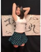 【柚奈】生放送で着用した私服(ノースリーブカットソー・ミニスカート)&チェキ