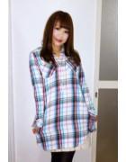 ☆小倉あいか直筆サイン入りチェック柄ロングシャツ(白×水色×ピンク)☆