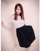 奥野奈緒 サイン入り ブラックスカート