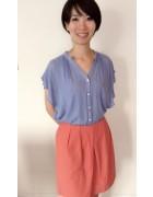 稲嶺朔さんが使用した赤いスカート。サイン入りチェキ付き。