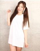 武田愛美☆直筆サイン入り写真&直筆サイン入り撮影衣装(ホワイト×Tシャツ)