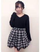 笹森陽菜さんが愛用したチェックスカートとニットと帽子のセット。サイン入りチェキ付き!