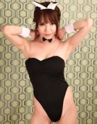 柚木あゆり☆直筆サイン入り写真&直筆サイン入り撮影衣装(ブラック×バニーガールコスチューム)
