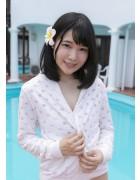 佐々野愛美 最新DVD「ささ蜜」内で撮影したパーカー
