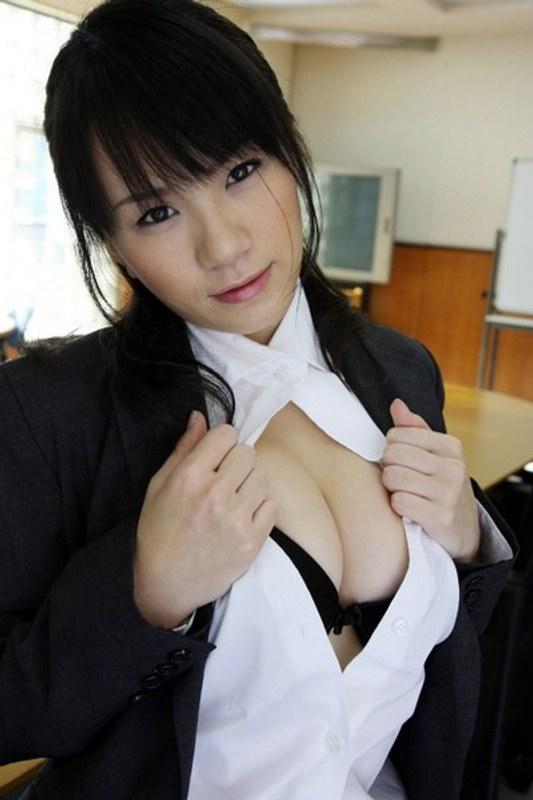 イクイク 素人女子大生 優木かりん