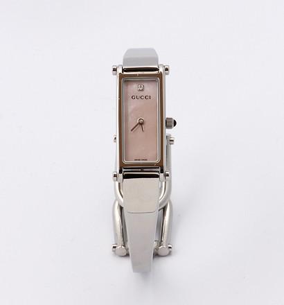 激安通販バングルタイプ ダイヤ 淡いろピンクシェル レディースウォッチ/GUCCIGUCCIグッチ