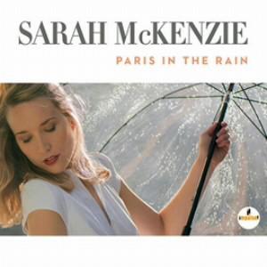 サラ・マッケンジー/雨のパリで
