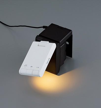 【クリックでお店のこの商品のページへ】TWINBIRD LEDベッドライト ホワイト LE-H223W