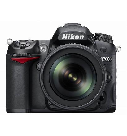 Nikon デジタル一眼レフカメラ D7000 18-105VR キット
