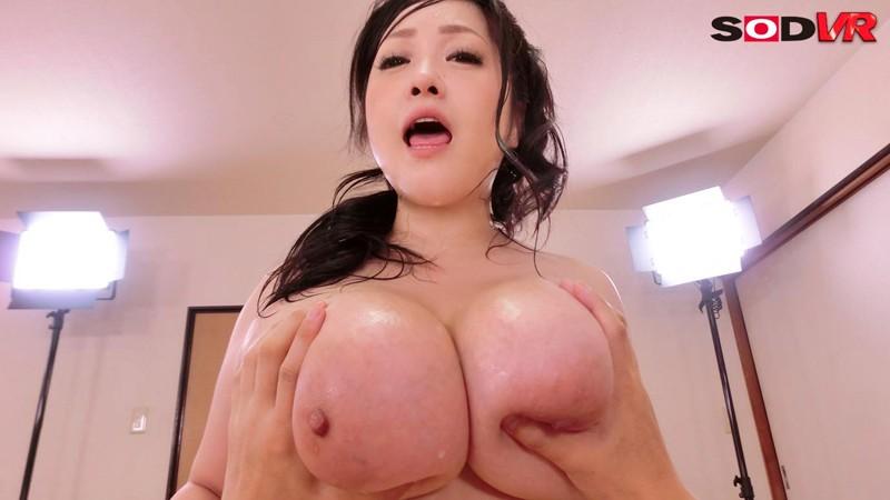 【VR】芸能人VR あの、小向美奈子のスライム乳を目の前で堪能 中出し性交 サンプル画像 No.5