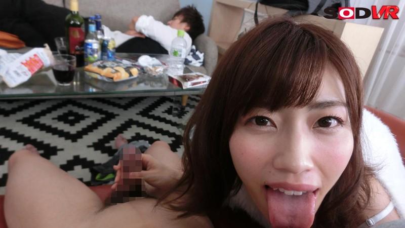 【VR】ほろ酔いでキス魔に変貌した親友の彼女がず~っとキスを求めてきた!寝ている彼氏の目の前でこっそりセックス! 市川まさみ サンプル画像 No.7
