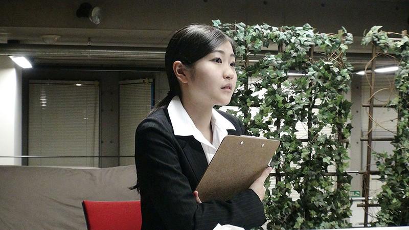新人女性社員が面接官001 サンプル画像 No.7