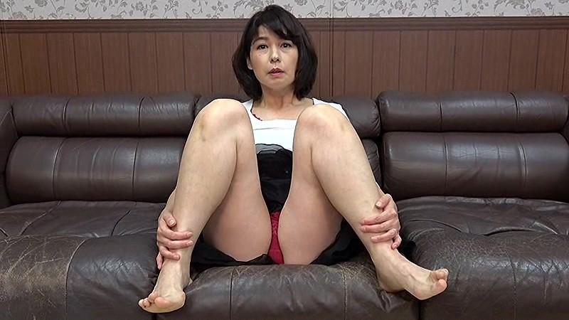 熟女たちの隠された欲情 「面接なのに入れちゃダメー!」 サンプル画像  No.1