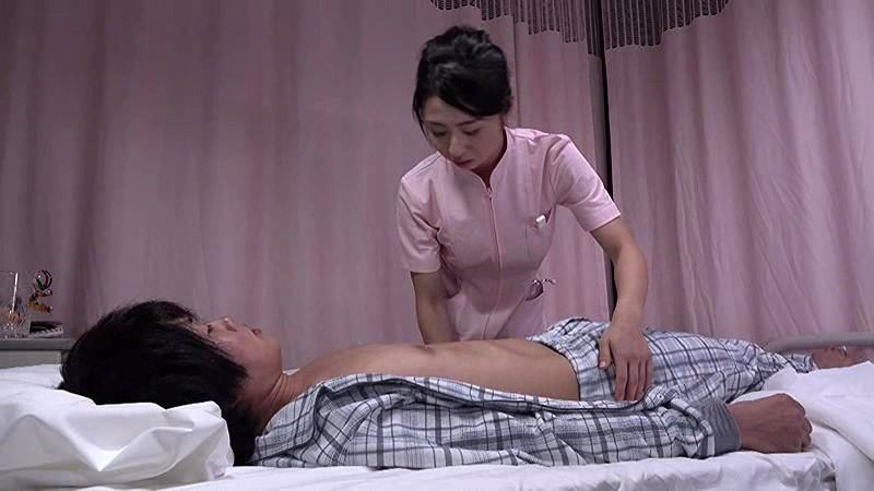 「『おばさんで本当にいいの?』若くて硬い勃起角度150度の少年チ○ポに抱きつかれた看護師はヤられても本当は嫌じゃない」VOL.7 サンプル画像 No.1