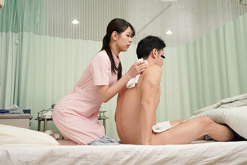 「欲求不満の看護師さんに耳元でこっそり淫語を囁かれ勃起したらヤられた」VOL.1 サンプル画像  No.1