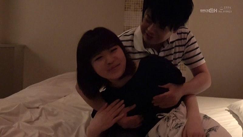 ナツキさんが友人に撮ってもらい紹介してくれた付き合って半年の彼氏君 GIRL'S CHのイケメン募集に応募してきた素人カップル投稿動画 サンプル画像  No.3