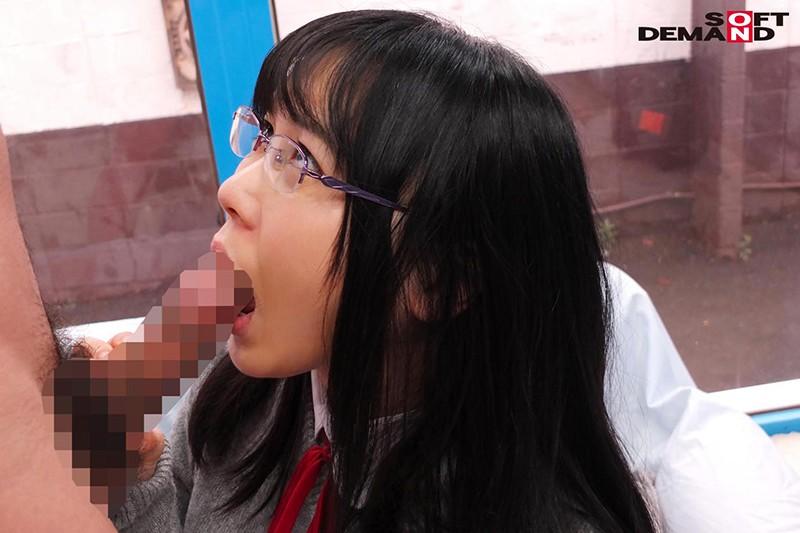 かな(18)女子○生 マジックミラー号 初めてのおちんちん研究!かわいいお顔にぶっかけ! サンプル画像  No.5