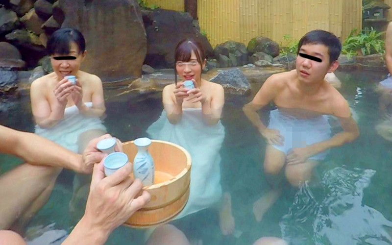 【VR】独占 混浴温泉痴漢 VR サンプル画像 No.1