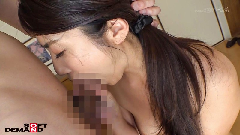 松本麗子 超高感度 恥じらうギャップがたまらなく良い小麦肌の美人妻 デビュー前の未公開初SEX サンプル画像  No.8