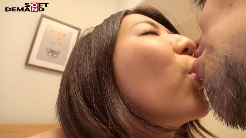 我妻澪 スレンダーな敏感ボディ 勃起した乳首がイヤらしい デビュー前の未公開初SEX サンプル画像  No.1