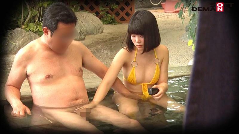 房総半島の温泉リゾート地で見つけた未成年美少女限定 裸よりも恥ずかしいハレンチ水着で混浴入ってみませんか? 全員10代&Eカップ以上!人気企画復活SP 2枚目