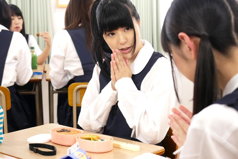 突然、どろっどろ精子が降り注がれる日常 学園生活で「常にぶっかけ」女子○生 サンプル画像 No.3