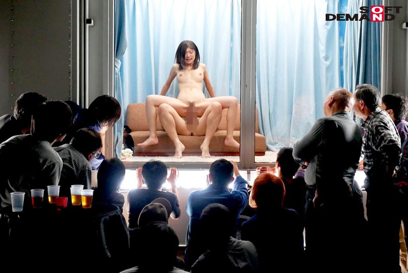 新発想!逆転マジックミラー号 「素人娘たちの大胆SEXを生で見たくないですか?」大人数に見られているとは知らずに激イキ姿を大胆に披露! サンプル画像  No.8