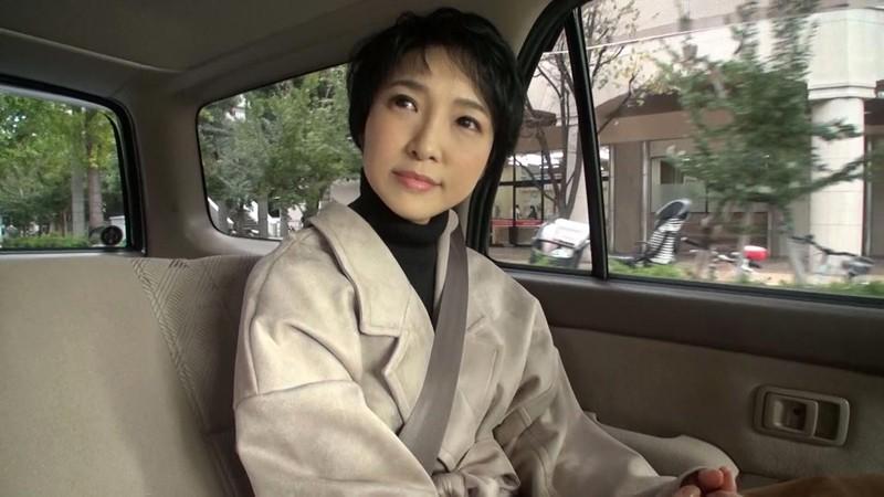 経験人数は主人だけ…本当の快感を求めて上京するはんなり京美人妻 早川りょう 46歳 第2章 更なる刺激を求めて上京し旦那が仕事中の12時間ずーっとイキっぱなし サンプル画像 No.1