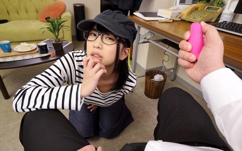 【VR】俺にメロメロな隠れ巨乳のメガネJDバイトと休憩中に生ハメ不倫SEX 高杉麻里 サンプル画像  No.3