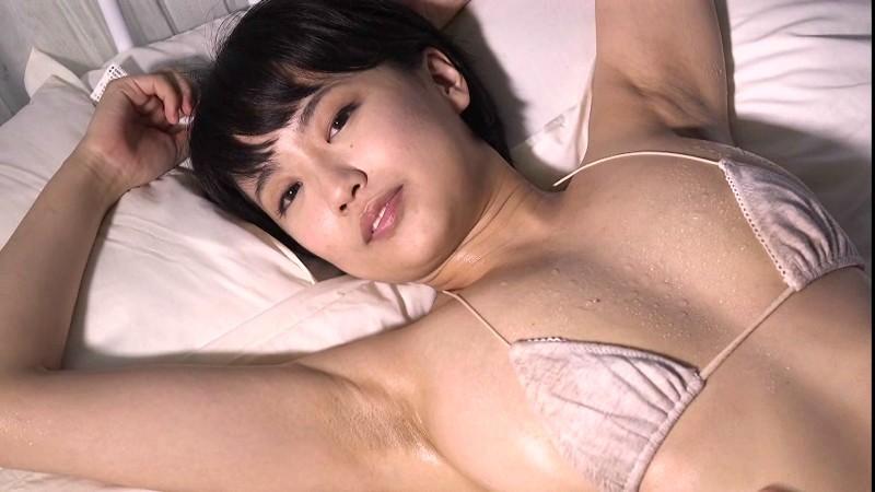 里美黎 裸サスペンダーでエロティック!! 13