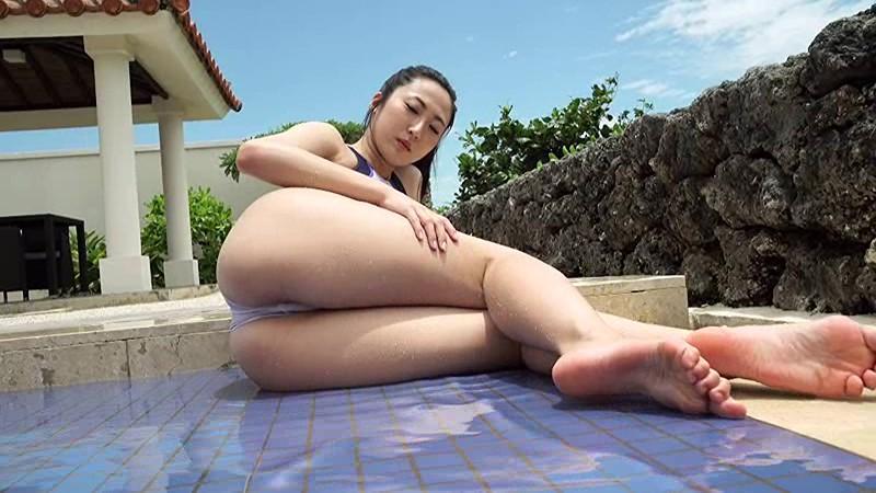 NHKドラマにも多数出演する『本格派女優』の彼女が、Fカップを武器に『本格派グラドル』路線に舵を切った!!際どい水着にも注目っ!![サムネイム13]