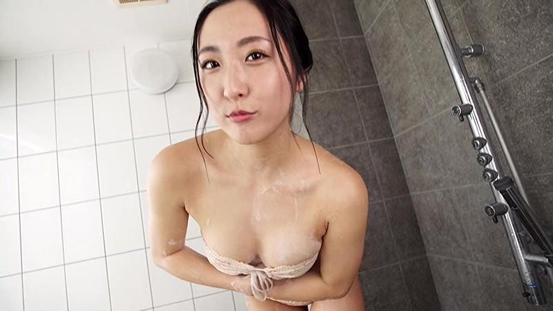 NHKドラマにも多数出演する『本格派女優』の彼女が、Fカップを武器に『本格派グラドル』路線に舵を切った!!際どい水着にも注目っ!![サムネイム07]