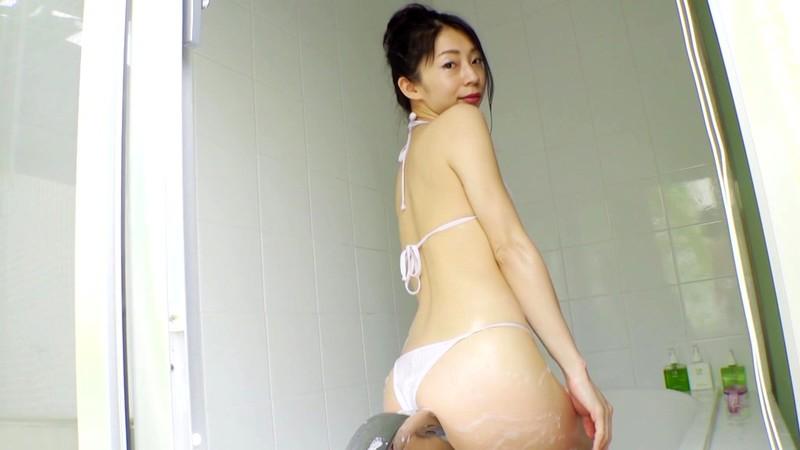 岩崎真奈 「スイカ姫降臨」 サンプル画像 13