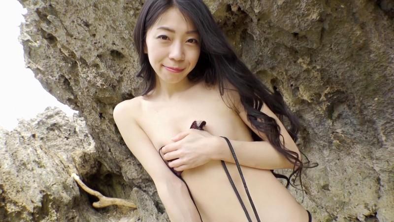 岩崎真奈 「スイカ姫降臨」 サンプル画像 19