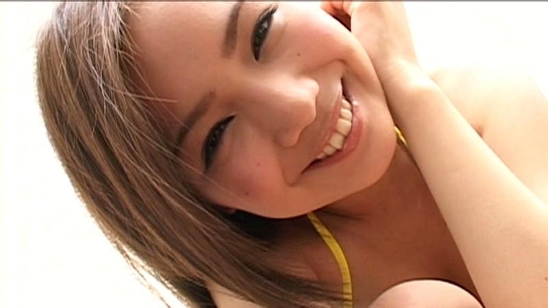 坂本りおん 「十代最後の記念DVD 極小ビキニ 大人になったりおんを見てほしい…」 サンプル画像 15