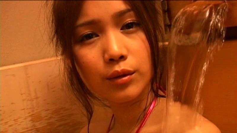 坂本りおん 「十代最後の記念DVD 極小ビキニ 大人になったりおんを見てほしい…」 サンプル画像 17