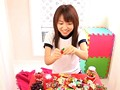 体操着でお菓子&ホットパンツ私服 沖田裕美