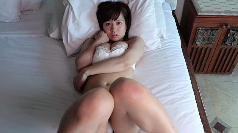 夏江美優 爆乳を揉まれまくってエロティック!! 15