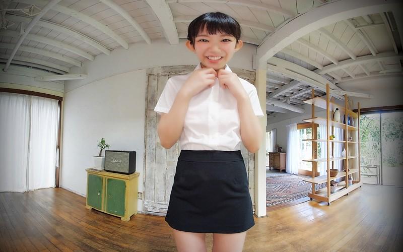 【VR】長澤茉里奈が制服を……ビキニで「いらっしゃいませ◆」<フライデーVRシリーズ>