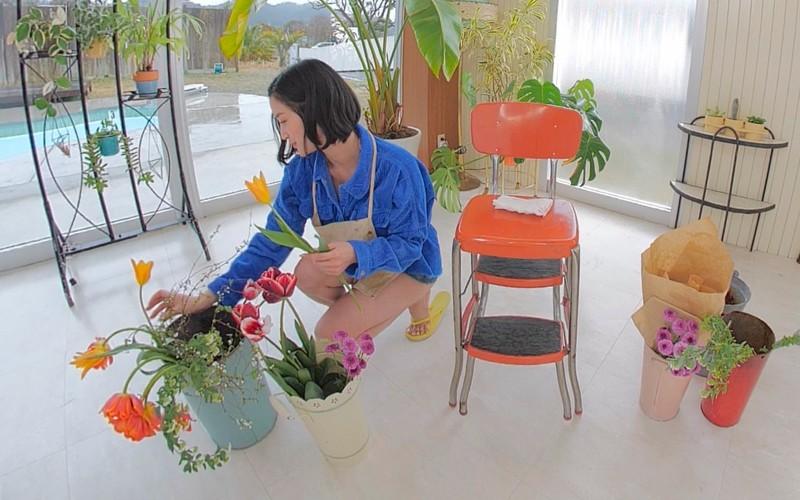 【VR】僕の彼女は出口亜梨沙〈Gカップのセクシーすぎるお花屋さん〉 1吐息の告白「好き◆」<フライデーVRシリーズ>