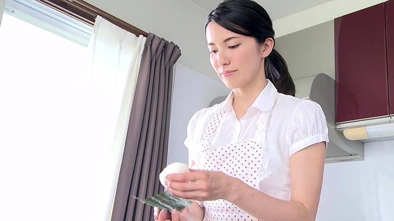 戸田れい 「家政婦はレイチェル」 サンプル画像 1