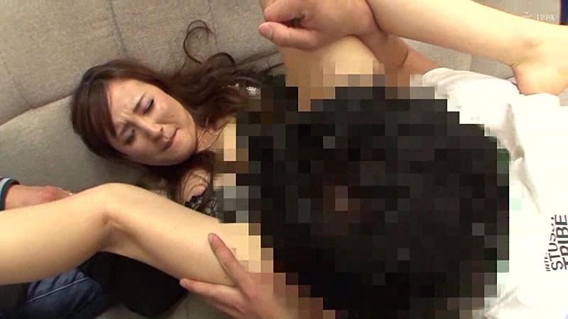 好きでもない男に押し切られ中出しセックスしてしまう巨乳妻16人4時間! サンプル画像  No.1