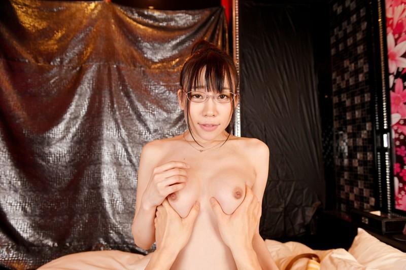 【VR】今話題!家族風にふるまってくれるデリヘル嬢を呼んだらM気質のOLさんがやってキターーーー! 富田優衣 サンプル画像 No.5