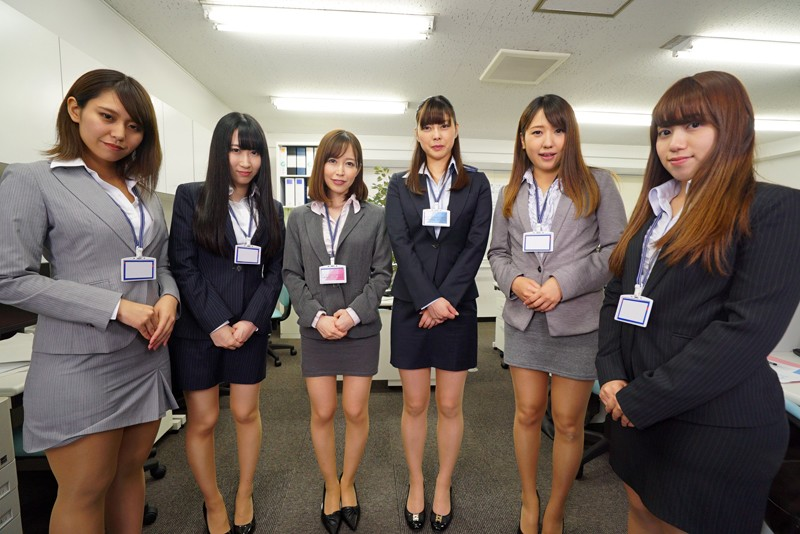 【VR】全裸オフィス 裸の女子社員に囲まれて… サンプル画像 No.3
