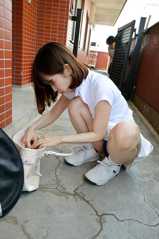 夫の知らない淫らな愛妻 テニスサークルのコーチを連れ込んでヤリまくっているようなんです…。 篠田ゆう サンプル画像  No.1