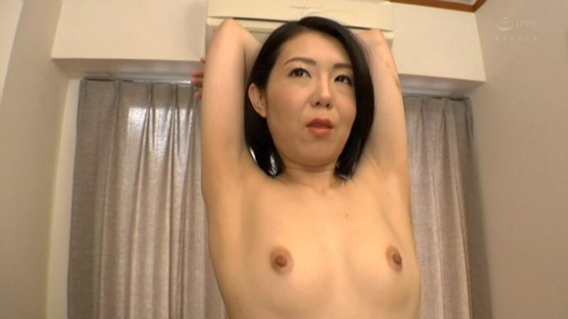 初撮り熟女 性欲が強すぎる変態ドM熟女 香澄あかり(36)AVデビュー サンプル画像 No.1