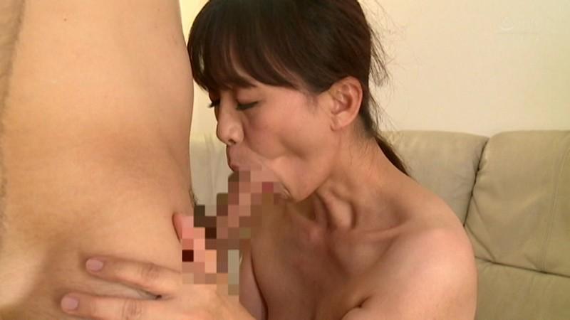 スタイル抜群!バツ2の癒し系熟女AVデビュー 門倉みどり サンプル画像 No.5