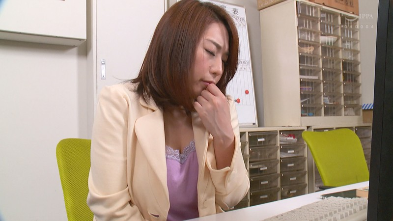 キモい官能小説家にペット志願する乳首のキレイな女編集者3 八乃つばさ サンプル画像 No.2